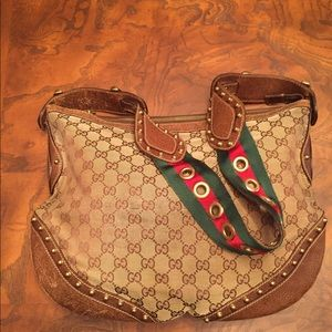 classic Gucci Pelham hobo style purse with stud